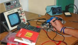 Frequenzimetro 1-100 megahertz