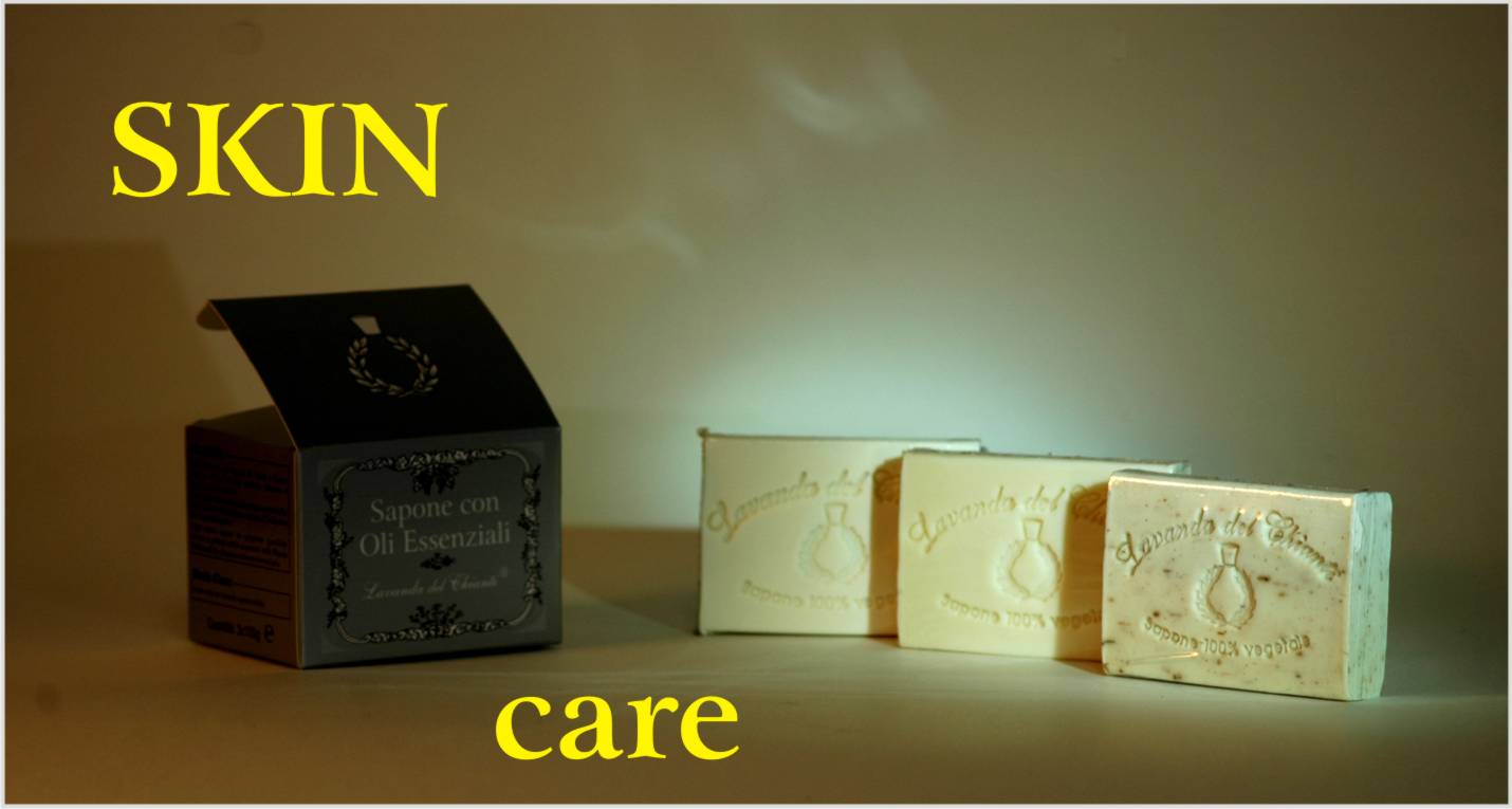 Solid soaps with completely vegetable essential oils and with natural fragrance